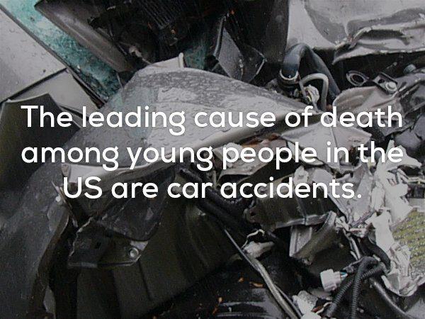 22件讓你頭痛到「彷彿腦袋被啃食」的恐怖人類事蹟。「飛機失事網站」有罹難者最後的聲音檔...
