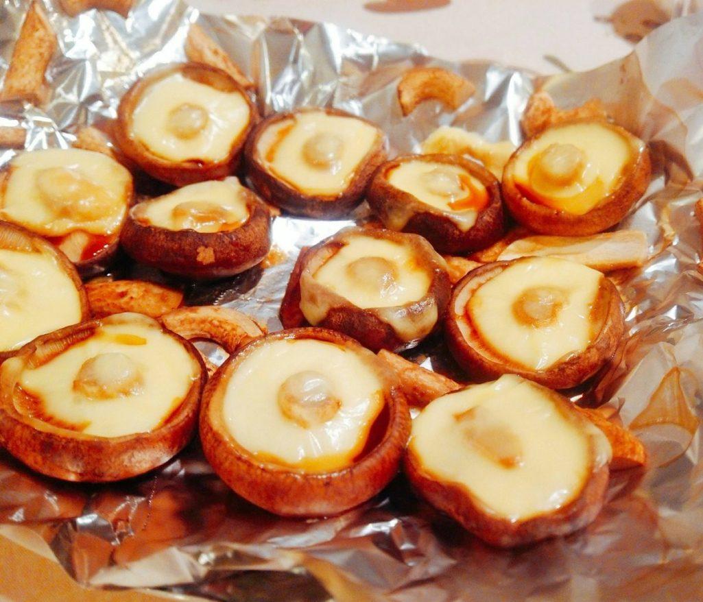 史上最美味「起司烤香菇」1分鐘就搞定!日本網友瘋傳:加「這個」好吃N倍!