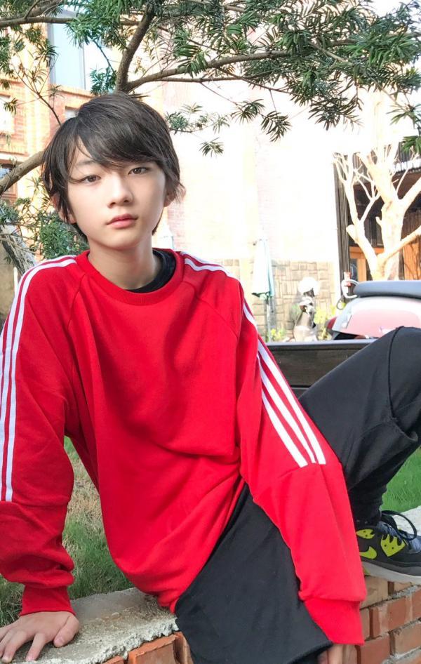 「貓顏+犬顏」一次滿足!住在台灣的「日本美少年兄弟」帥到女生腿軟,「跳舞影片」讓你立馬當迷妹!(影片)