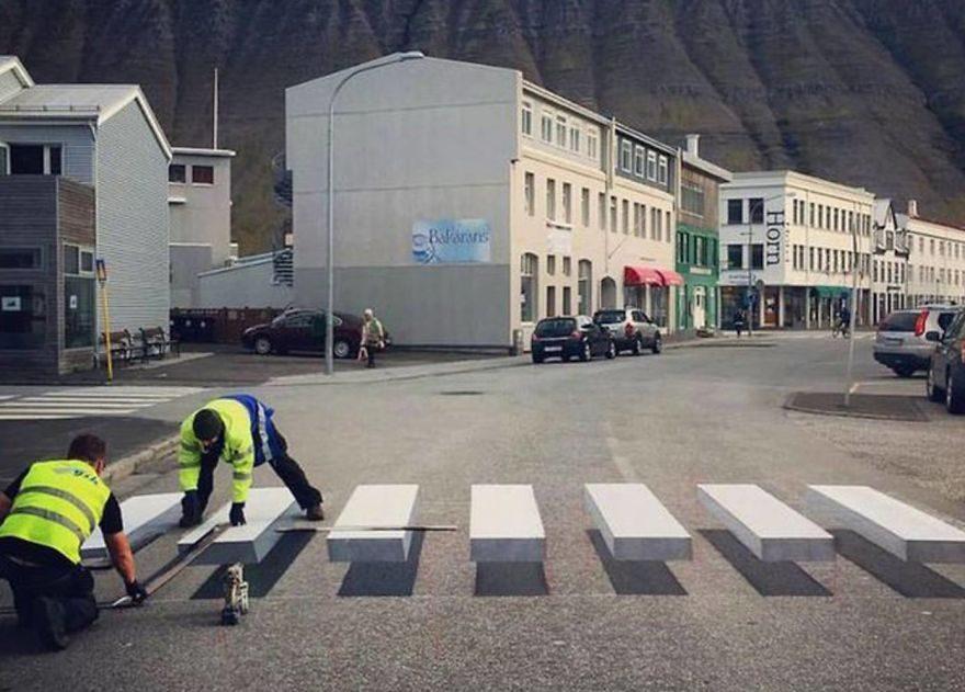冰島首創「神奇3D立體斑馬線」!浮在半空中「馬路三寶剋星」台灣也應該立刻引進!