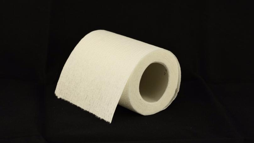 原來我們一直都「用錯方法擦屁股」!專家:衛生紙並不能擦走大便!