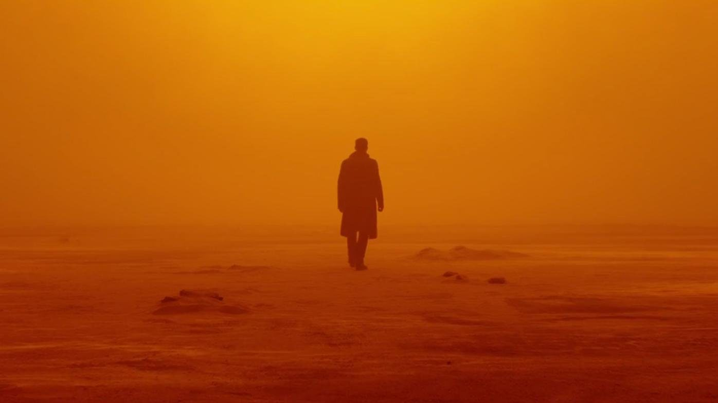 人類再不逃就來不及了?來自2048年時空穿越者警告:外星人將在明年入侵地球!