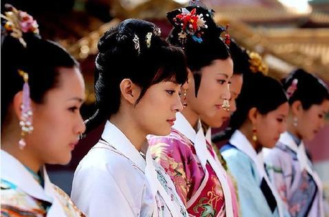 九州大學選校花...卻在參賽者照片出來後,網友哭喊「醜到選不出來!」