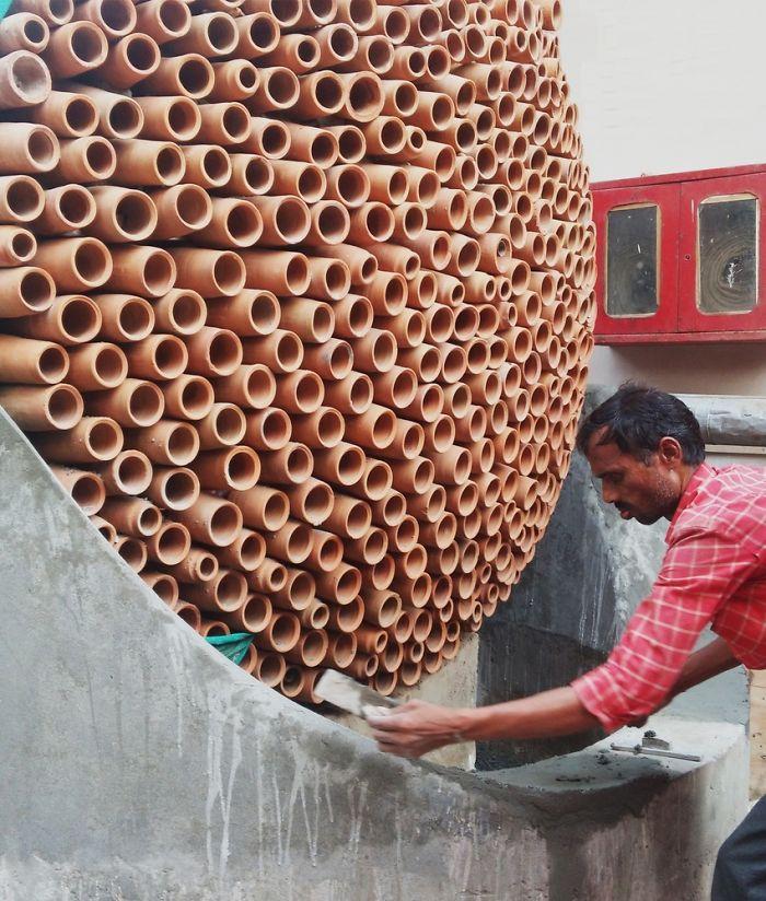 印度設計出「不用電的環保冷氣」,只要倒水就可拯救無數生命
