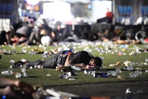 拉斯維加斯慘淪為獵場!萬人爬過屍體驚惶躲屠殺,香港歌手古巨基也慘遭波及...(影片)