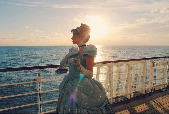 迪士尼正在招聘幸運兒「跟米奇米妮一起環遊世界」!而且薪水超優!(12張)
