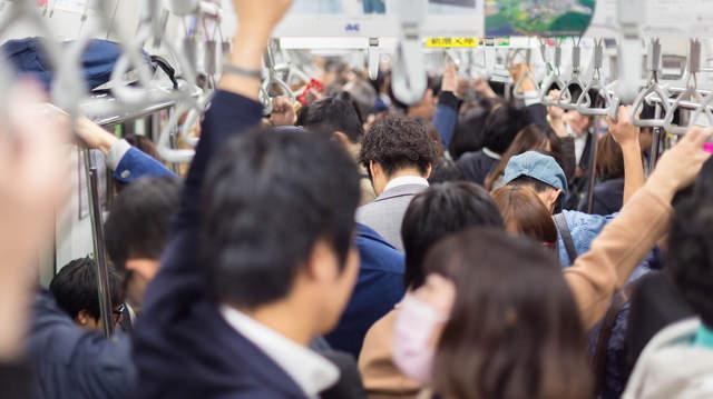311學童領補助金返校「卻慘遭勒索圍毆」,他點出4點「日本暗黑內幕」:別再過度神話日本!