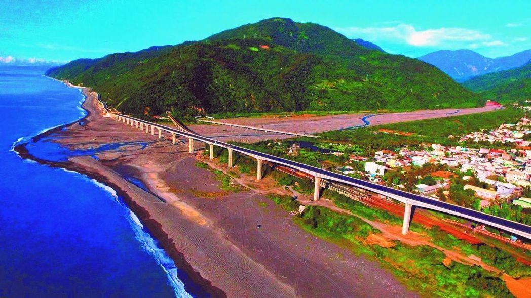 6條台灣「即使塞車也要開上去」的絕美公路,要山要海一次盡收眼底!