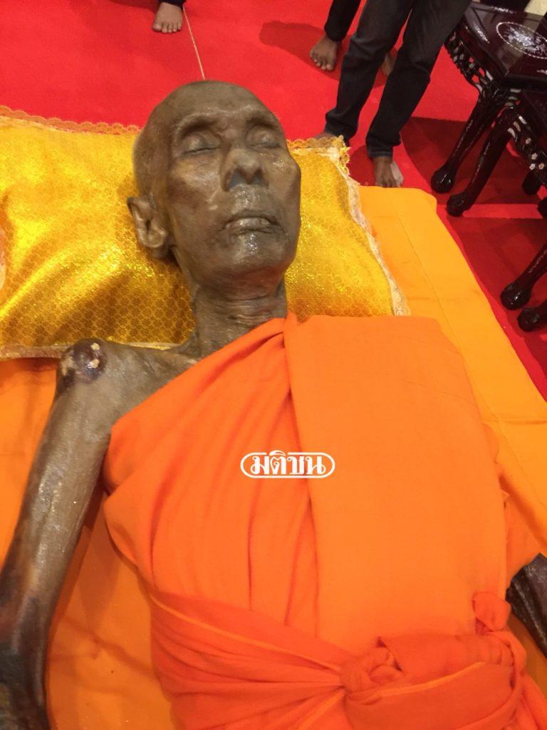 神靈護體?!高僧死後100天開棺,結果「只是睡著」讓所有信徒嚇壞!