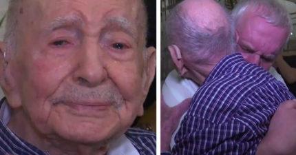 102歲爺爺以為親人在「納粹大屠殺」時都死了,沒想到70年後竟出現奇蹟兩人頭髮花白噴淚相擁…