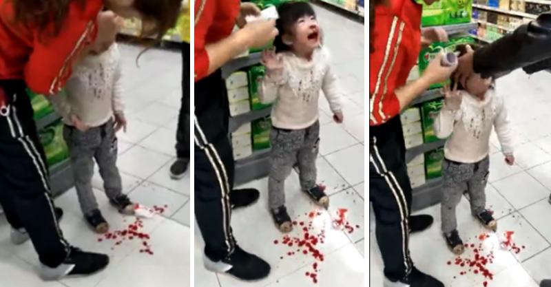 狠爺惱羞抓著小臉爆打,4歲女童慘被巴掌洗禮「鼻血流滿地」!工作人員上前勸阻打更狠...(影片)