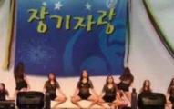 韓國潛規則全球最可怕!韓國護士被迫穿超短熱褲和緊身小可愛,M字腿大開跳「性暗示」給高官看!
