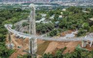 高雄首座天空迴廊!斥資1.3億打造「崗山之眼」鳥瞰美景,空拍「山林禿光」網暴怒:超醜!