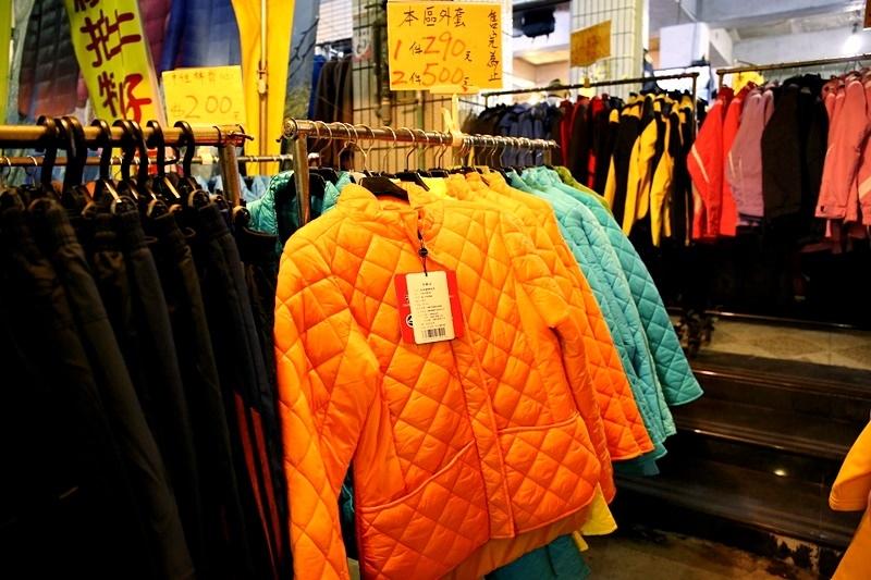 台灣人超愛羽絨衣「米其林人」滿街跑 網友疑惑:審美觀拙劣?