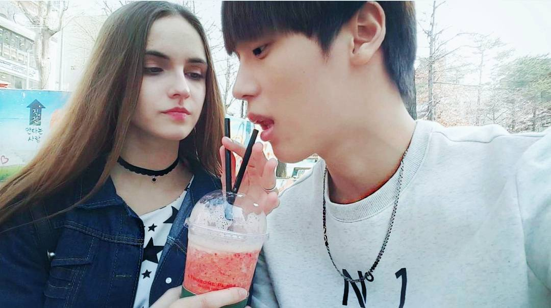 這對來自南韓+白俄羅斯的「國際情侶」總是形影不離 IG上「恩愛放閃無極限」障礙卻出現...