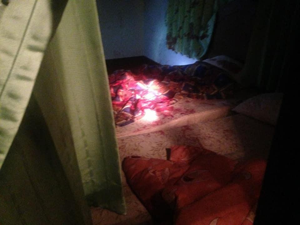 流浪女子被騙到旅館「先硬上再刀砍」,血淋淋赤裸棄在附近的草叢「屋內找到剩餘身體部位」