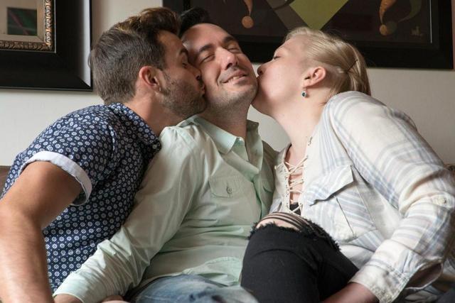現代最新種關係!2男1女「三人行」每天睡同一張床上!3人性取向都不一樣之後還要「一起生小孩」…