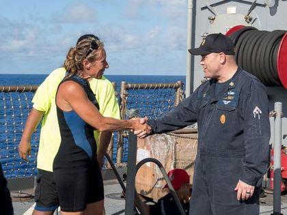 台湾渔船「救美国2女子」出现反转!她们指控:「台湾渔船想杀死我们!」 -420_11c9bed5d257a8af5aaca213a6e64995