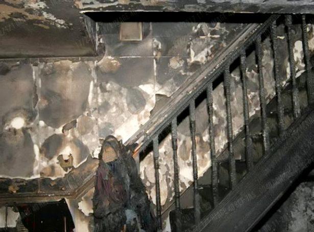 男子家中遭人「投入200枚煙火」瞬間爆炸慘死!房子內部慘照曝光...警難過