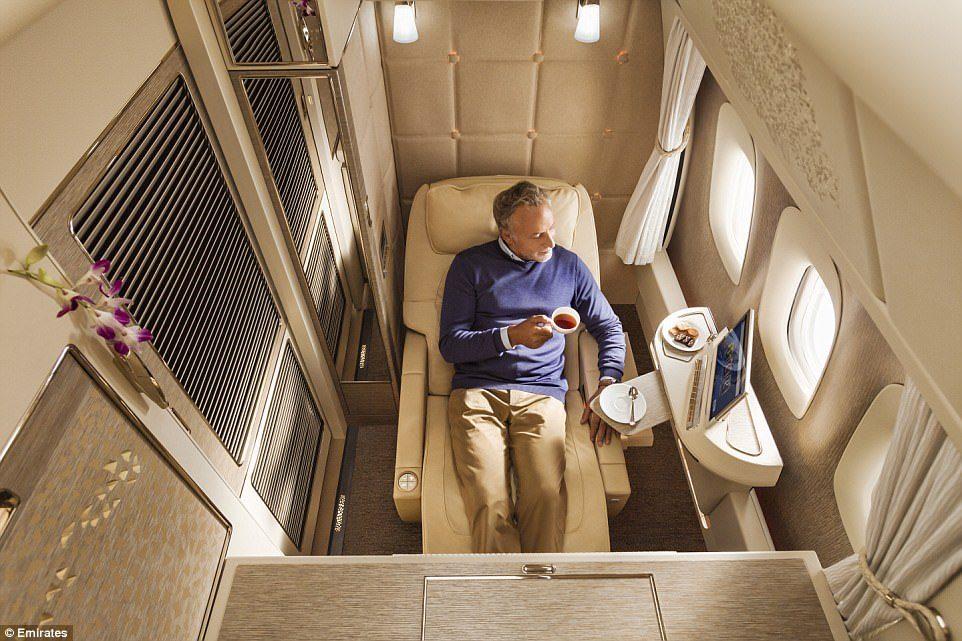 阿联酋再推「超奢华私人座舱」!座椅采宾士真皮、NASA科技,内有酒吧、电视、虚拟窗户…坐一次要27万! -5a0bf0d5a0a46