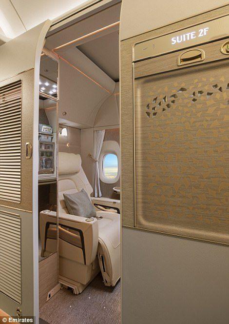 阿联酋再推「超奢华私人座舱」!座椅采宾士真皮、NASA科技,内有酒吧、电视、虚拟窗户…坐一次要27万! -5a0bf0d69e89a
