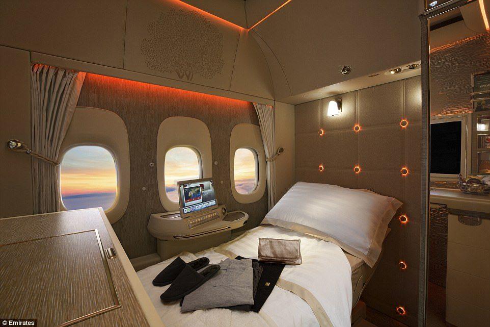 阿联酋再推「超奢华私人座舱」!座椅采宾士真皮、NASA科技,内有酒吧、电视、虚拟窗户…坐一次要27万! -5a0bf0d7f261a