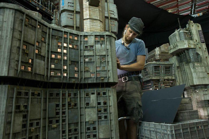 《銀翼殺手2049》電影場景亞洲電影絕對做不了!幕後「超逼真迷你模型」讓你看過就回不去了!