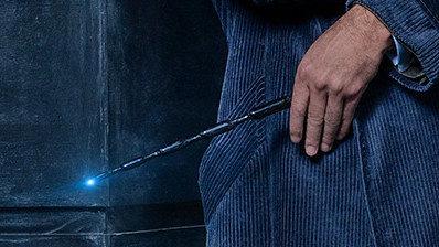 我們終於知道《怪獸與牠們的產地》第二部的片名,全新預告片中「鄧不利多拿的魔杖」讓所有粉絲都瘋了!(影片)