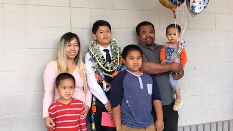 美國加州小學槍擊案,亞裔媽媽「肉身替兒子擋子彈」求助沒人幫忙,冷血回:我上班要快遲到了