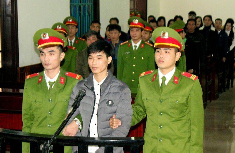 台灣無良廠商「在越南排放有毒廢水」害慘當地民眾+殺害海洋生物,結果入獄的卻是一名22歲越南部落客。