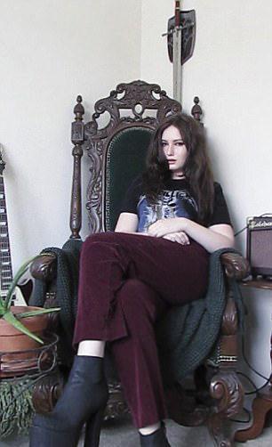 一到街上就被要簽名!17歲正妹「跟珍妮佛勞倫斯有99%像」比本尊更美,她很困惑:我不是粉絲...