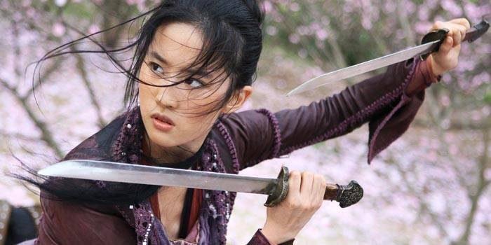過去1年選角超過千人,迪士尼真人版《花木蘭》女主角確定由「劉亦菲」演出!劍客造型超美!