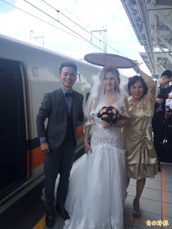 他創意娶新娘方式爆紅!「史上最長的禮車」讓全台民眾一起見證,浪漫遠距離修成正果!(影片)