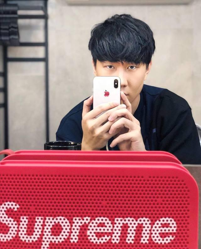 iPhone X開賣特輯!「首碎發生了」苦主崩潰:是不是更好看一些?林俊傑炫iPhone X用「眼神」告訴你該不該買!
