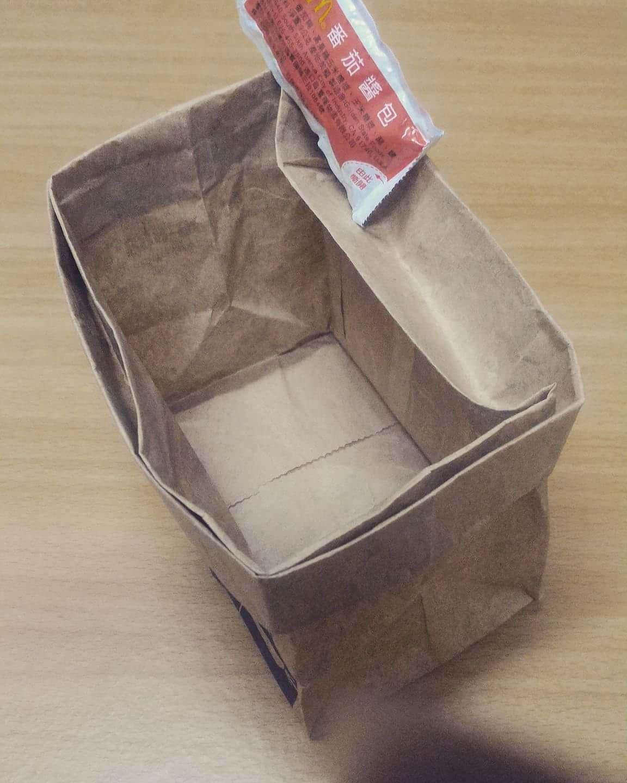 薯條新吃法「只靠紙袋」就變不沾手貴族料理:根本創世紀發明!