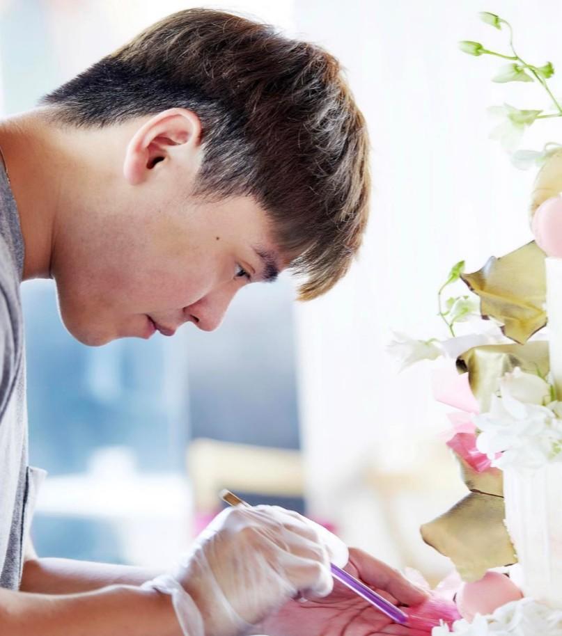 大馬男孩「大學輟學」勇敢追夢,超夢幻造型「甜點冰棒」紅遍全球!「台灣國旗」和「藍白拖」冰棒滿滿台味!