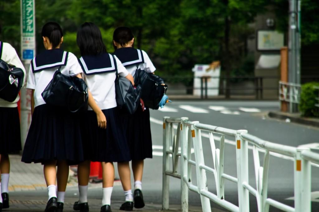 國中小學生「想要睡飽很奢侈」,提案「9點上課3點下課」達門檻被網友噴爆:以前也都早起苦過來!