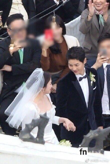宋宋婚禮「陸媒捨命爬高點」偷拍直播,一查竟是「章子怡老公汪峰」韓媒全部7pupu!