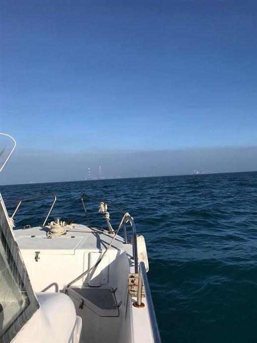 從海上看台灣高雄,已經快被「吞沒了」!
