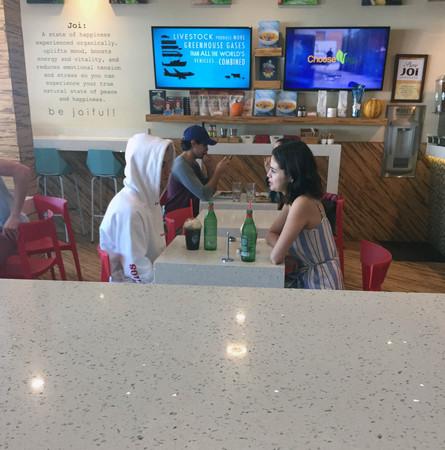 證實「賈賽戀」已復合!賽琳娜甜摟小賈斯汀「沒遮掩公開約會」再次放閃!