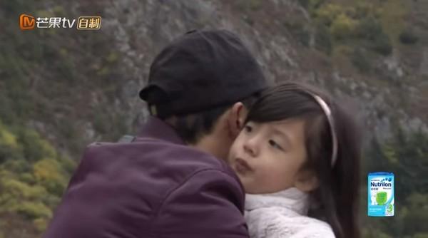 小泡芙虛弱公主病上身,劉畊宏「再也受不了丟下女兒」...回頭才後悔「應該早點了解她的!」(影片)
