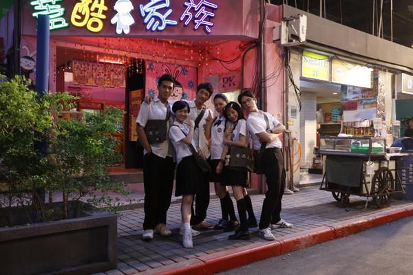 樂聲戲院旁的「小豆苗+蓋酷拍貼店」,1997年西門町場景還原「讓7年級生爆哭」...原來20年的差距是這麼大啊!(影片)