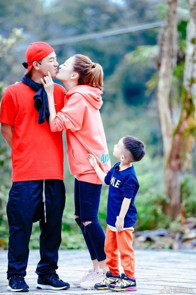 有一種愛叫「陳小春❤應采兒」,有Jasper生活卻更激情...結婚7年「陳小春從山雞哥變好爸爸」