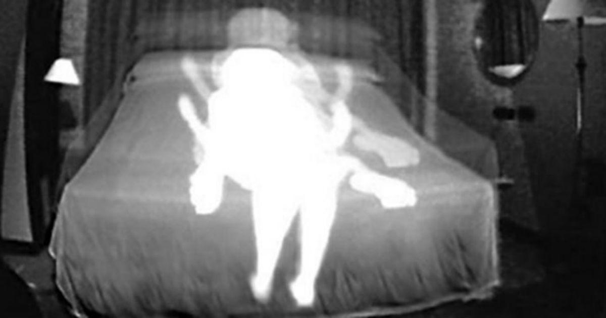 男子在家中裝攝影機錄「靈異現象」,打開一看錄到的東西「比鬼還可怕」…