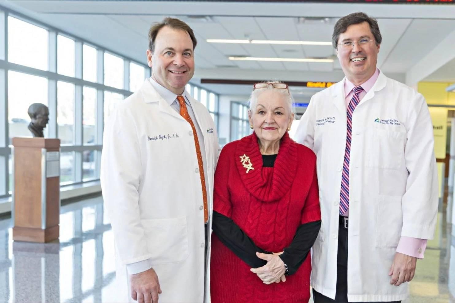 老太太以為自己變老才變胖,結果醫生發現她體內有「64公斤的腫瘤」...手術後讚自己性感尤物!