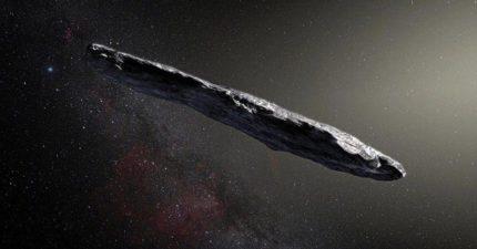 史上首次「雪茄形巨大不明物」飛進太陽系!科學家:不排除是外星飛船 (影片)