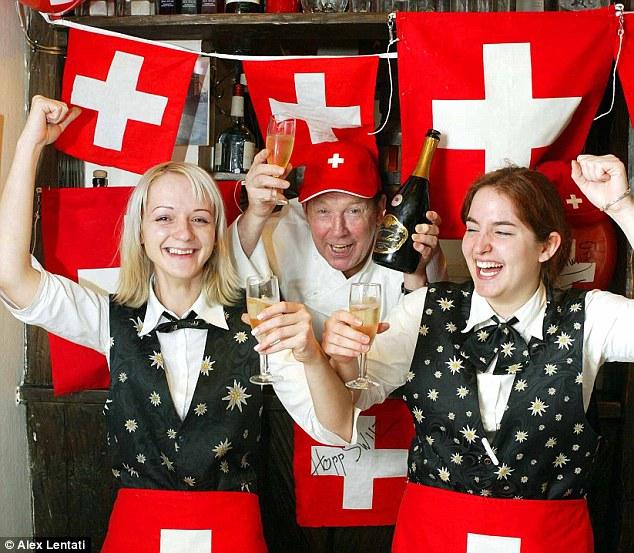 台灣比不上的幸福國家!瑞士政府打算「每月每人免費發8萬元」,8成國民卻拒絕「不想當廢物」!