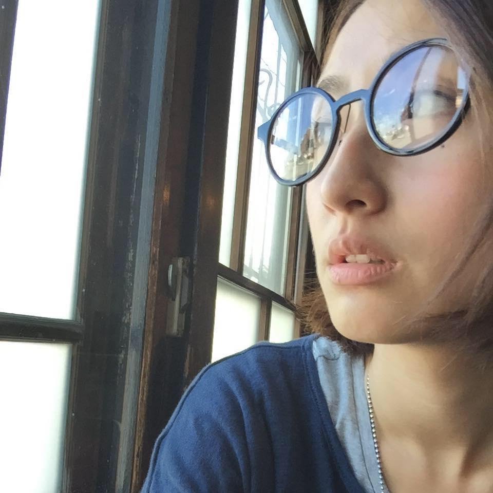 柯佳嬿連生活都如偶像劇,到釜山冒死拍戲「打開窗簾見坤達」真實偶像劇上演直接爆哭!