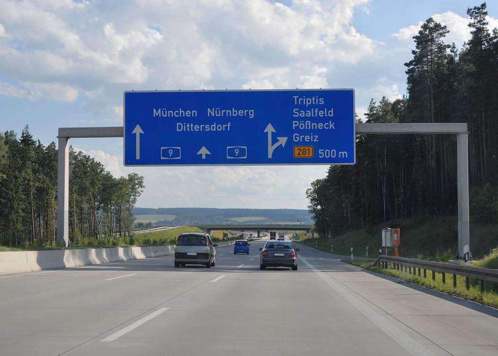 台灣人根本做不到!德國高速公路「沒有限速+車禍少」稱冠全球,揭密2點能極限狂飆的關鍵原因!