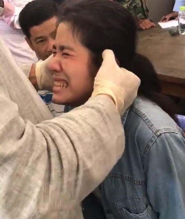 泰國seafood比妙禪猛!暴力「指插」治癒聾啞少女!柯南網友「注意她最後的眼神」突破盲點...(影片)